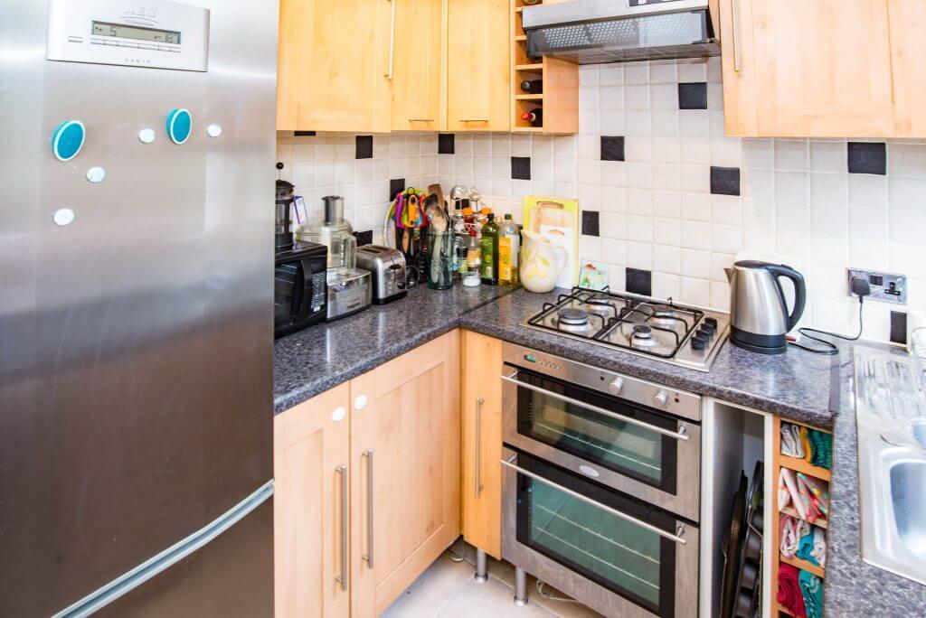 007 Kitchen